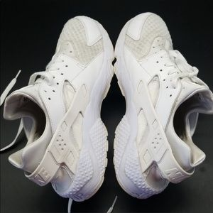 Nike Shoes - MEN'S NIKE AIR HUARACHE RUN
